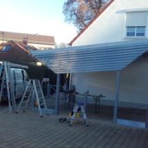 Carport-Windschutz